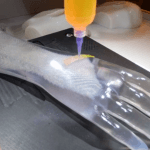 BioAssemblyBot druckt auf Arm