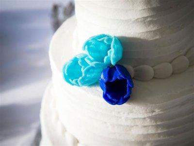 3D-gedruckte Blumen auf der Hochzeitstorte