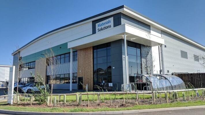 Ansicht des Gebäudes von Material Solutions