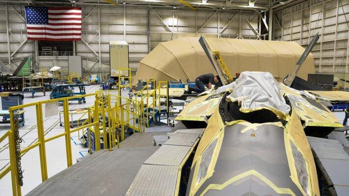 Bau eines F-22 Jets