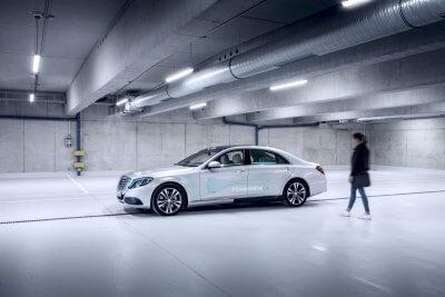 Das Mercedes-Benz Co-Operative Car von der Seite