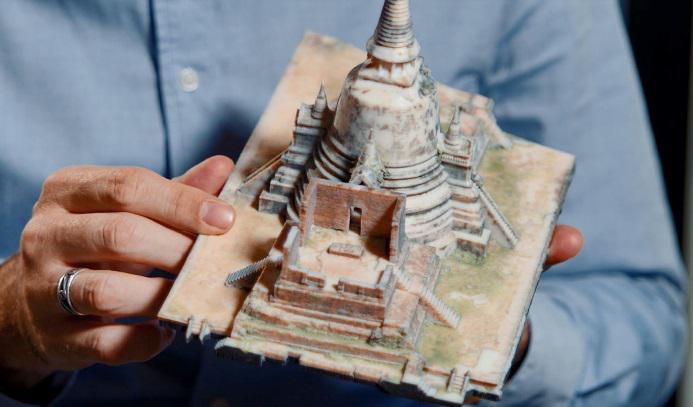 Google und Stratasys fertigen mit 3D-Druck fotorealistische Miniaturmodelle antiker Artefakte und Denkmäler