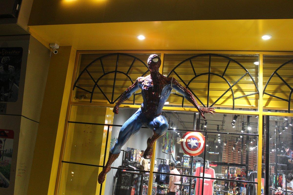 Indisches 3D-Druck-Unternehmen STPL fertigt lebensgroße Spiderman-Figur mit einem 3D-Drucker