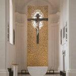 Gesamtansicht 3D-gedrucktes Retabel im Altarraum