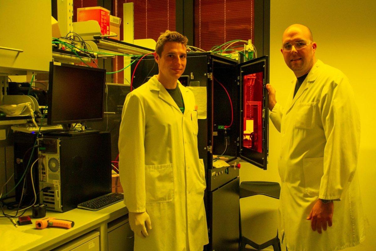 Forscher der TU Wien arbeiten in neu eröffneten Christian-Doppler-Labor an 3D-Druck-Material für den 3D-Druck von Knochen