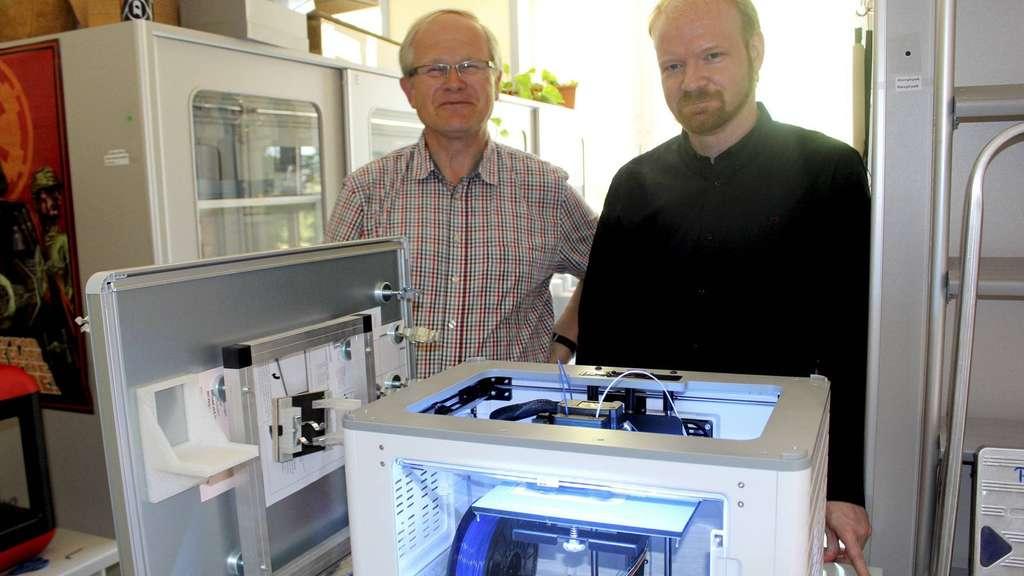 Hankensbütteler Gymnasium erhält 3D-Drucker und 3D-Scanner