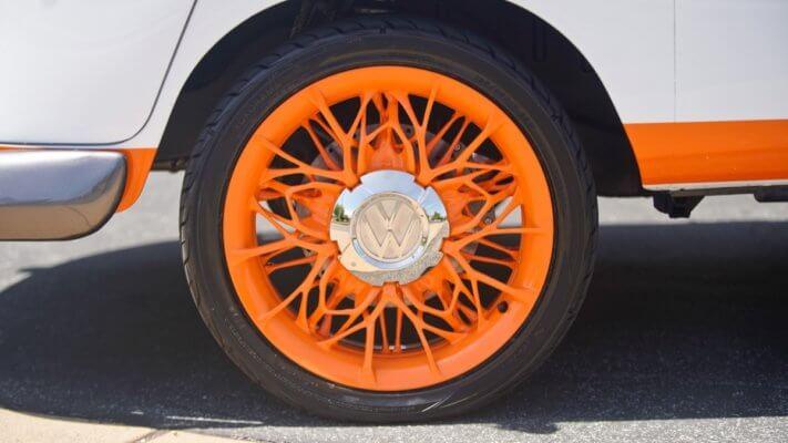 3D-gedruckte Felgen des VW Typ 20 Bus