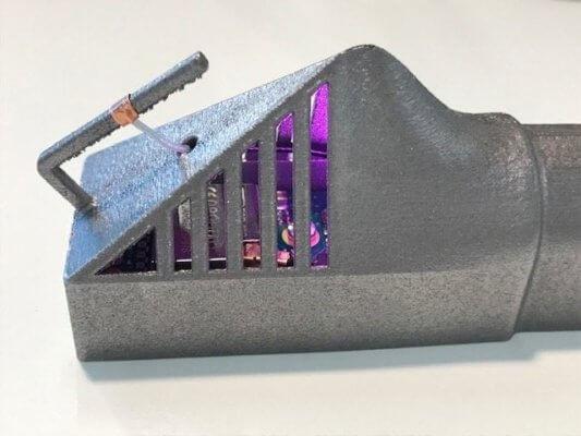 Metallobjekt mit integrierter Elektronik
