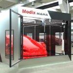 3D-Drucker MAMA und Mitarbeiter davor