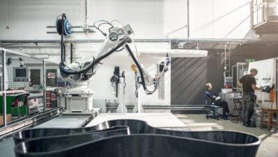 Industrieroboter von ABB druckt bei RISE Möbel für Sculpture