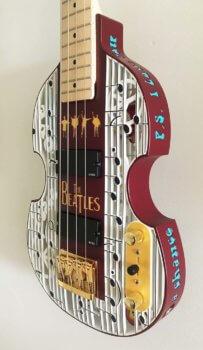 Beatlemania Bassgitarre Seitenansicht