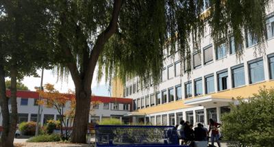 Bild des Schulgebäudes