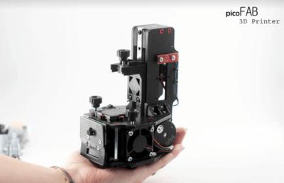 3D-Drucker PicoFAB in einer Hand