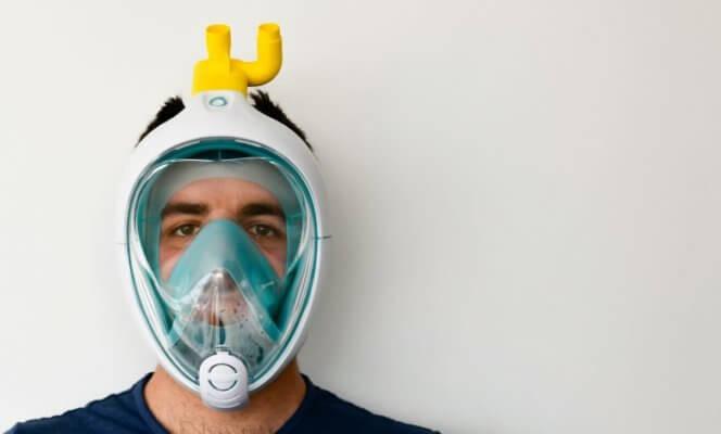 Verbindungsventil auf Maske