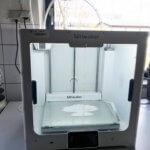 3D-Drucker von Ultimaker mit Maske darin