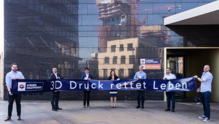 """Wiener mit """"3D-Druck rettet Leben"""" Banner"""