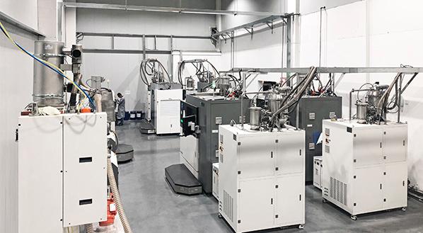 Einblick ins Werk von Falcontech (mit 3D-Druckern)