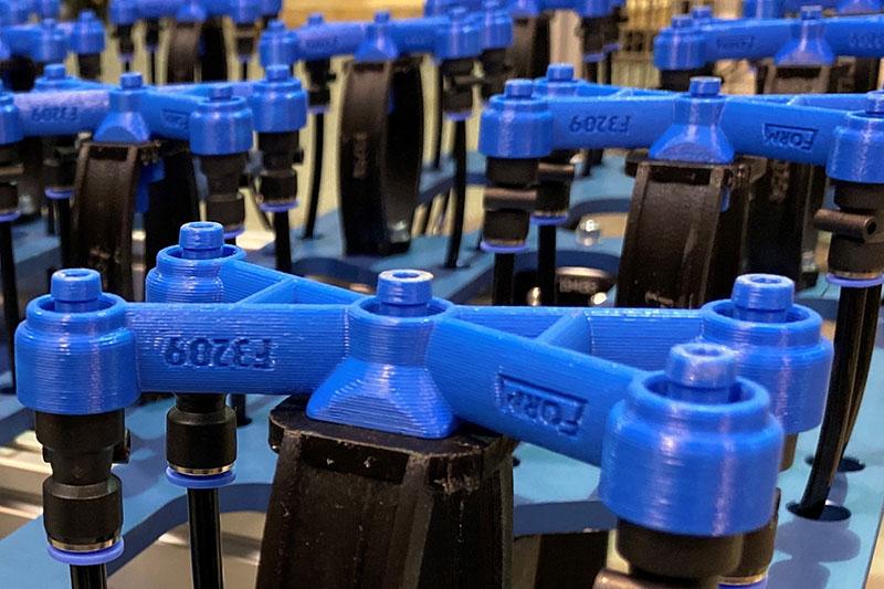 Foam Automation reduziert mit 3D-gedrucktem Endteil für einen Roboterarm die Anzahl der Schadensmeldungen deutlich