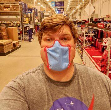 Fuller mit fertiger Maske