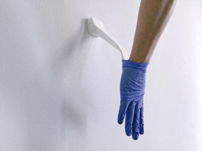 Handschuhentferner in der Anwendung