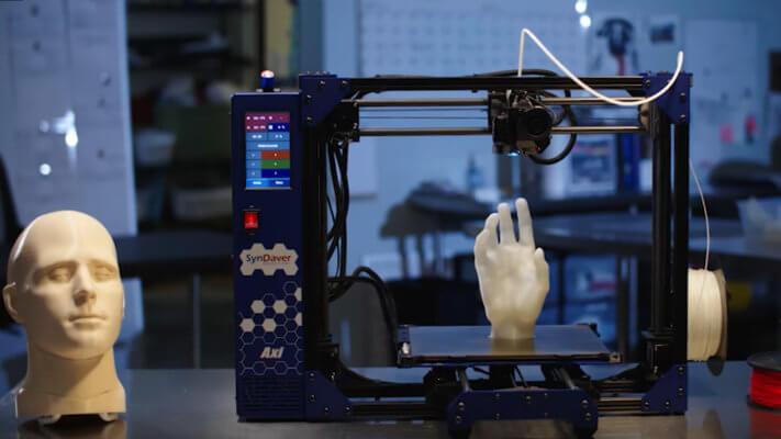 3D-Drucker Axi und 3D-gedruckte Objekte