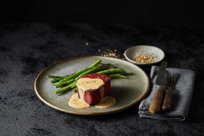 Redefine Meat auf Teller