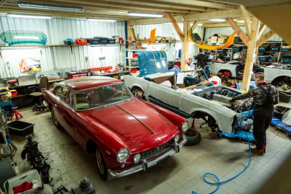 2 Autos bei ABCar Oldtimers