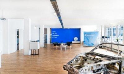 SHINING 3D Büro und Porsche 911 Karosserie