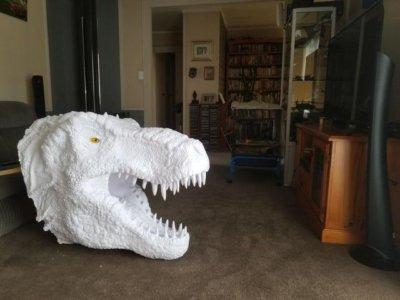 T-Rex-Kopf vor Bemalung