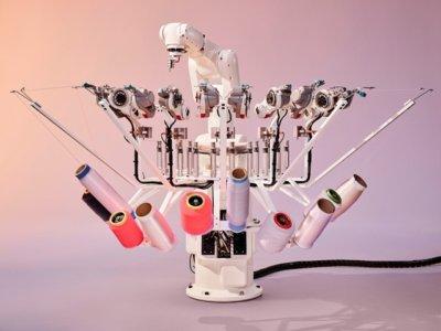 Roboter zur Herstellung des Textilobermaterials