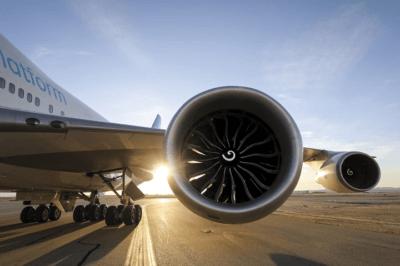 GE9X Triebwerk in Boeing 747-400