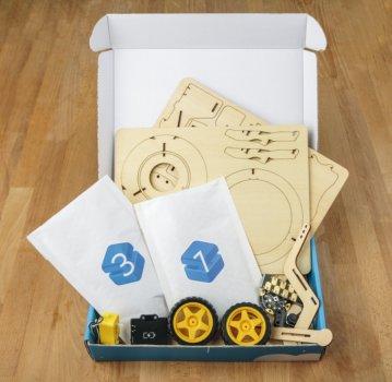 NextMaker Box mit Inhalt
