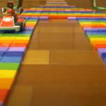 3D-gedruckte Rennstrecke mit Super Mario in Auto