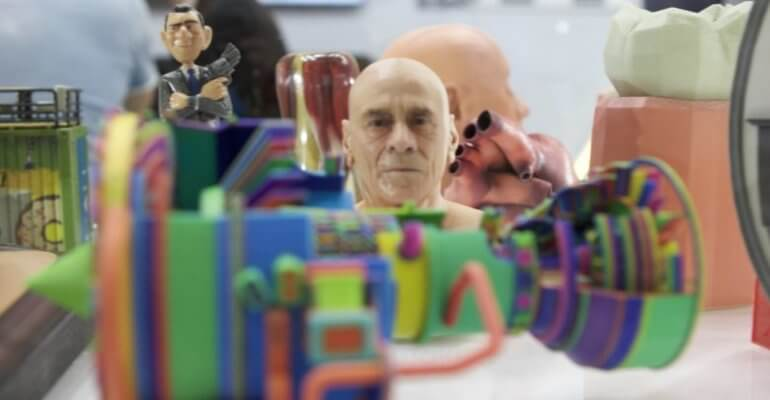 3D-Druckobjekte in Farbe mit dem 3D-Drucker Mimaki 3DUJ-2207