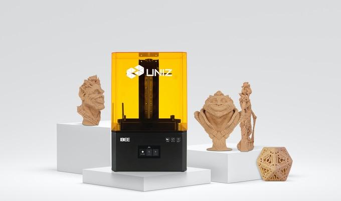 3D-Drucker IBEE mit 3D-Druck-Objekten