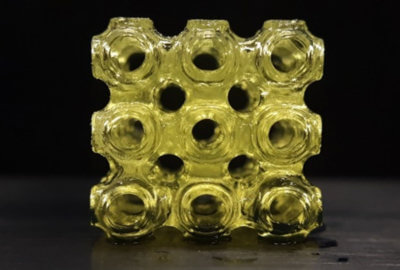 3D-Gitter aus ferroelektrischem Metamaterial