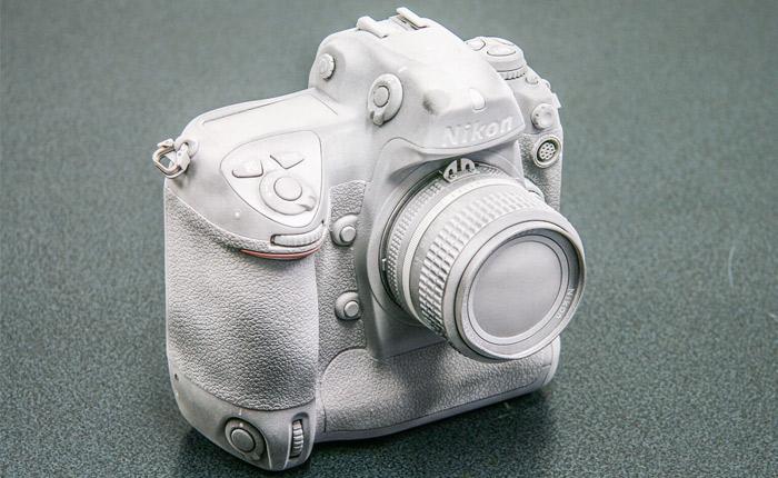 Kamera mit AESUB White Spray