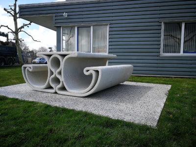 3D-gedruckte Bank in Freiform