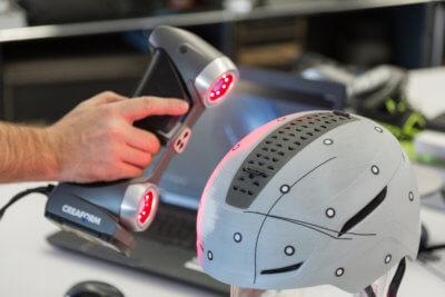3D-Scan eines Helmes mit SILVER-3D-Scanner von Creaform