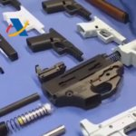3D-gedruckte Schusswaffen auf Tisch