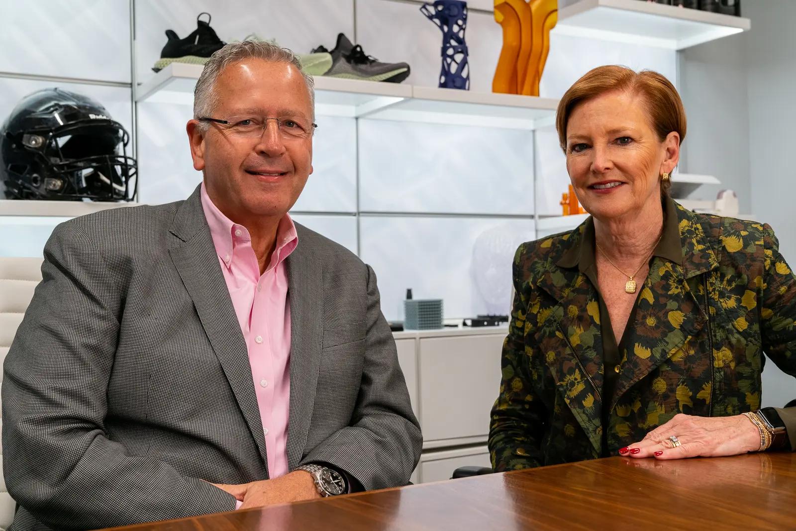 Carbon Gründer Dr. Joseph M. DeSimone und CEO und Präsidentin Ellen J. Kullman