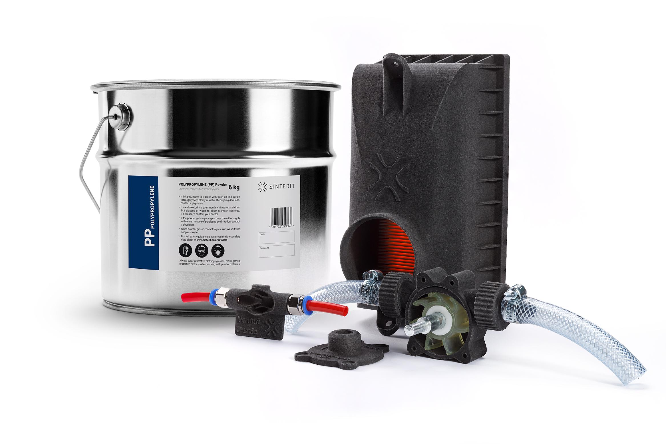Materialbehälter und Druckobjekt