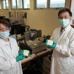 Forscher mit 3D-Druck-Ergebnissen