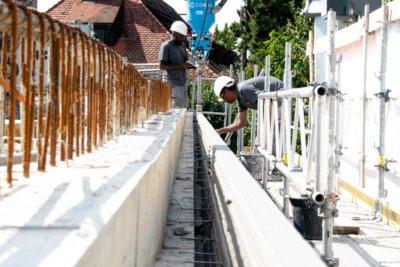 Mitarbeiter am Bau