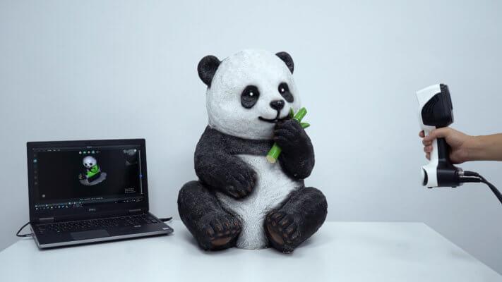 Laptop, Panda und ein Scanner